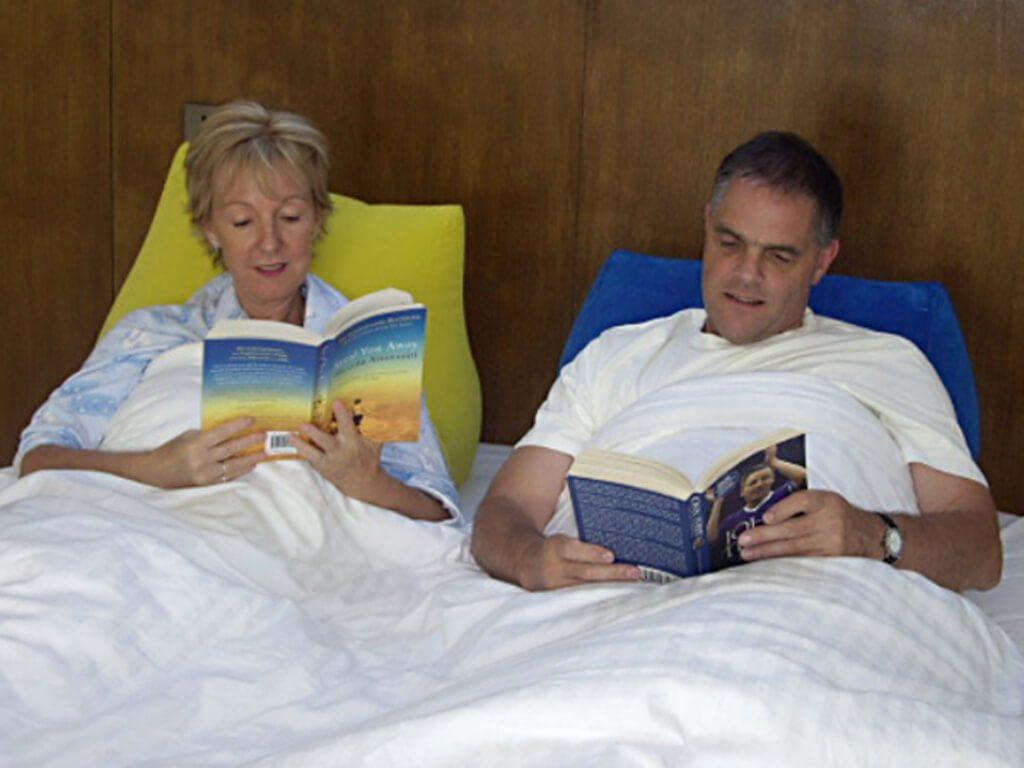 Rückenkissen Bett und Sofa